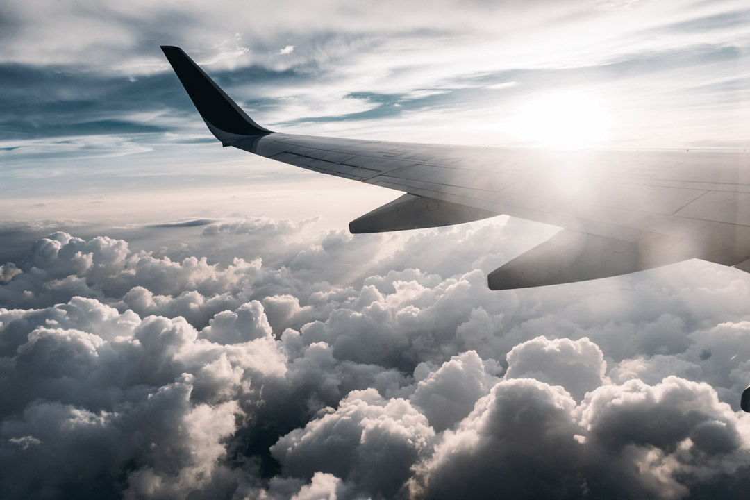 Airplane-wing--jerry-zhang-onxvkzldsj0-unsplash-1080x720-(36%)