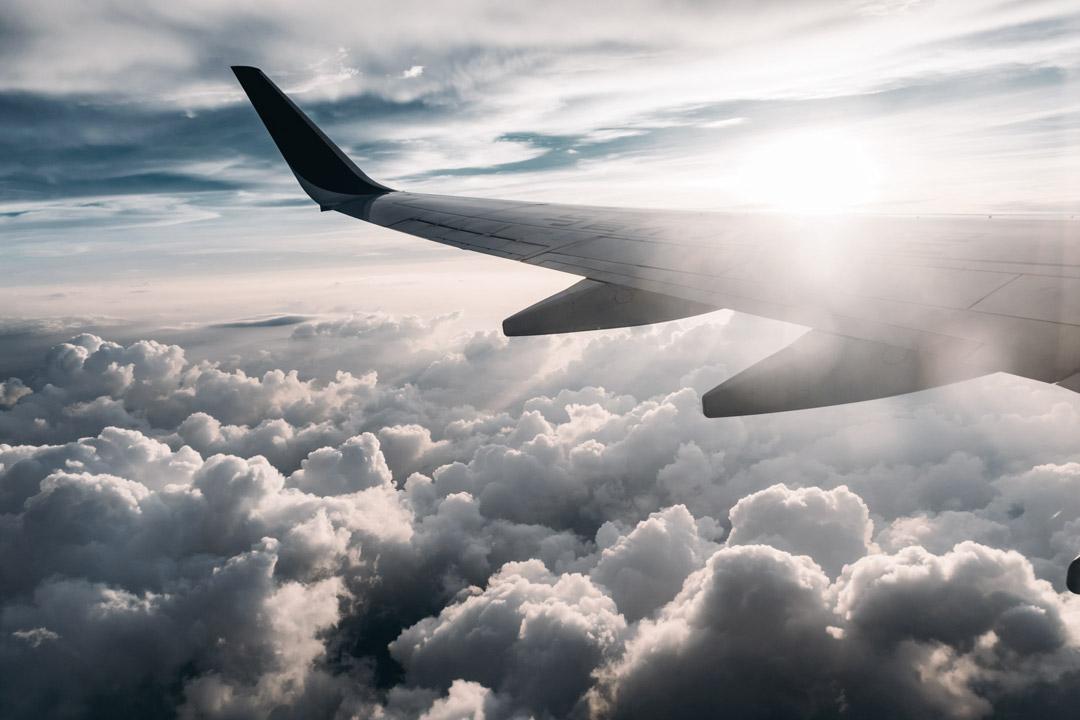 Airplane-wing--jerry-zhang-onxvkzldsj0-unsplash-1080x720-(36%)